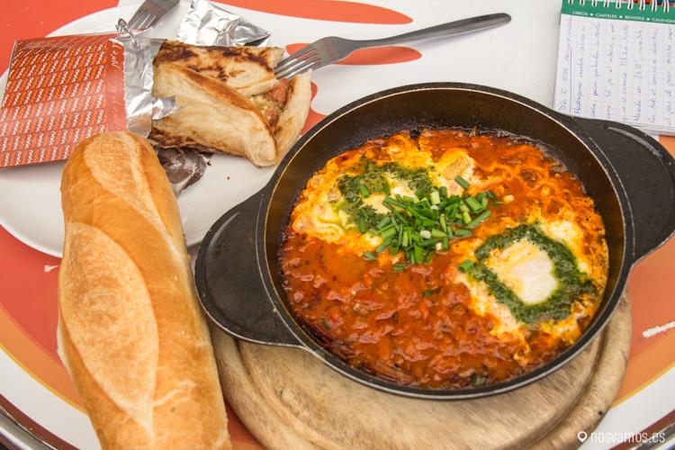 Shakshuka que comimos en el mercado Mahane Yehuda de Jerusalem
