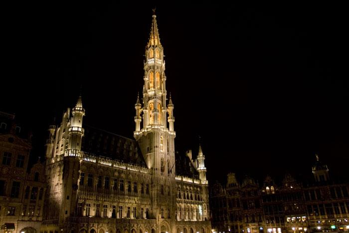 La plaza más bonita de Europa de noche