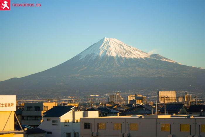 Vistas del Monte Fuji desde el tren a Hiroshima