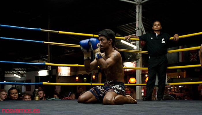 Ritual inicial de los luchadores antes del combate