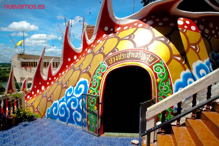 La salida del dragón antes de aceder al templo