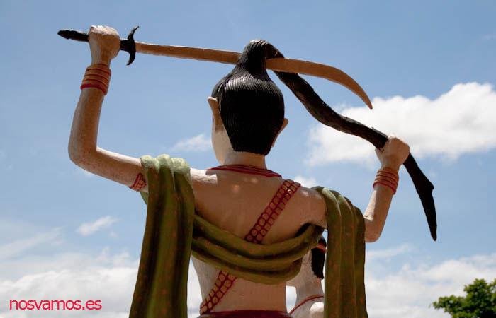 Uno de los guerreros que custodia el Buda