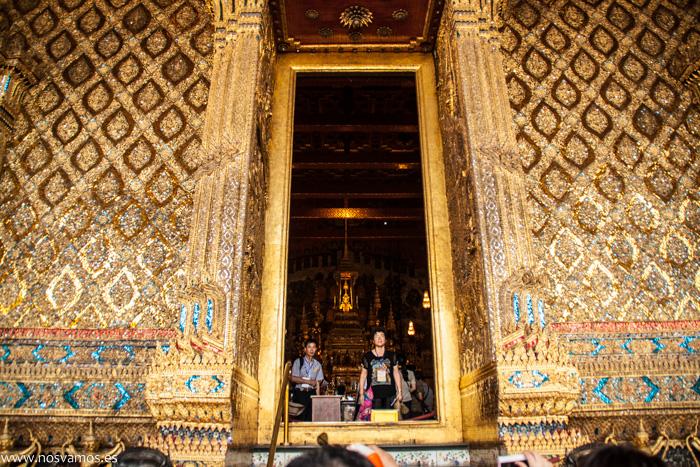 Puerta de entrada a la Pagoda de plata