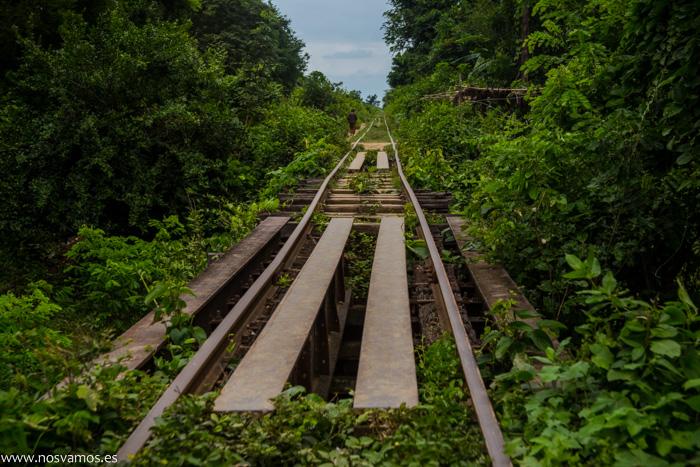 La vías del tren es mejor no mirarlas cuando vas en marcha