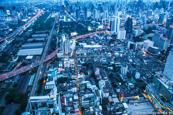 Vistas de Bangkok desde el piso 84 de la Baiyoke Tower