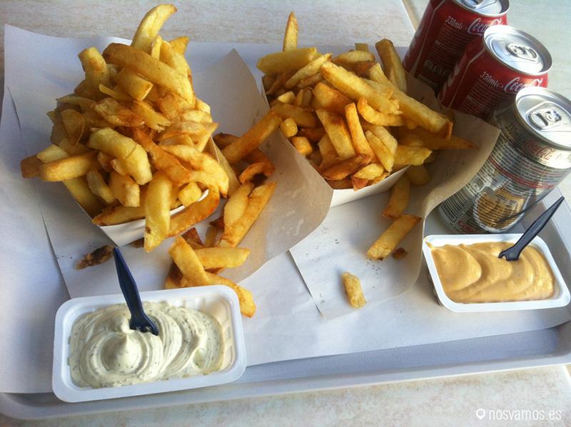 Unas frites con una buena buena cerveza belga, uuuummmmmmmm