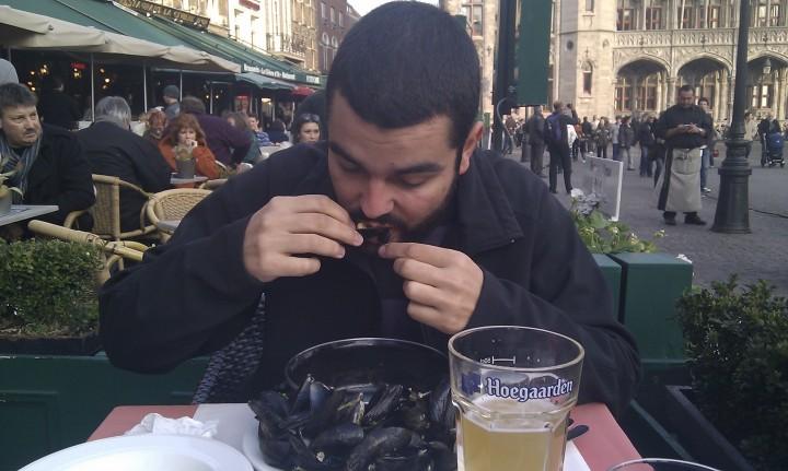 """Juanjo devorando """"moules"""""""