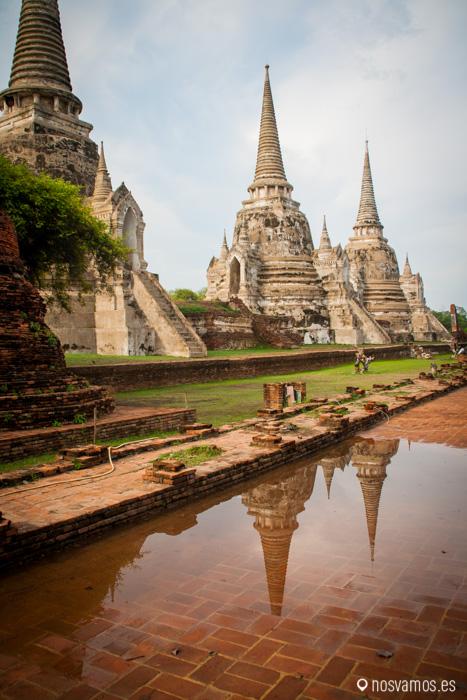 Las tres pagodas en Wat Phra Si Sanphet que guarda los restos mortales de los reyes Borommatrailokanat, Borommarachathirat III y Ramathibodi II