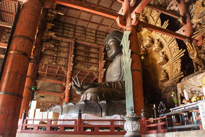 Detalle de la escultura de bronce del Buda Gigante
