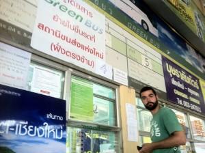 Comprando los billetes hacia Chiang Rai