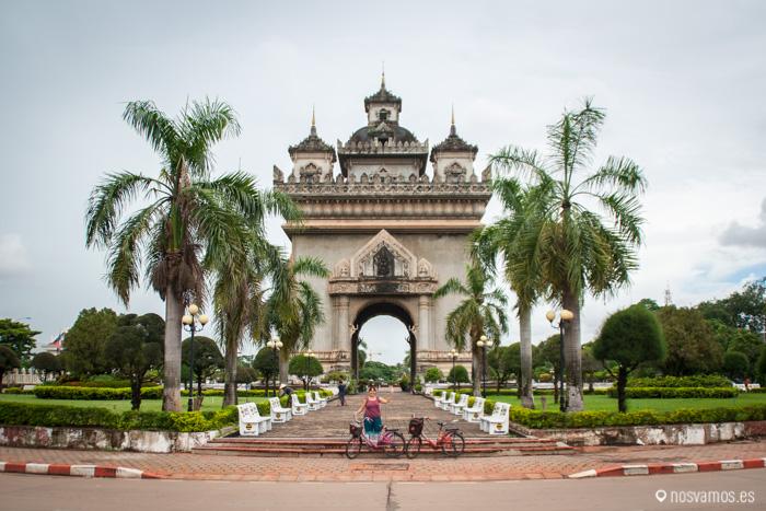 Arco del triunfo de Vientiane. Patuxai © Juan José Cacho