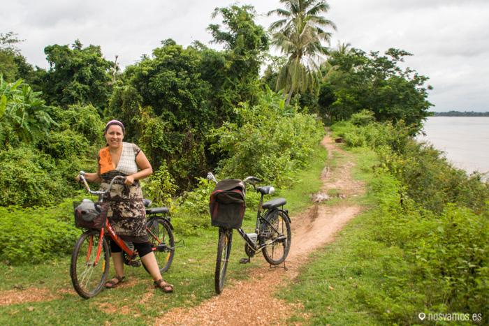 En bicicleta por Don Khong
