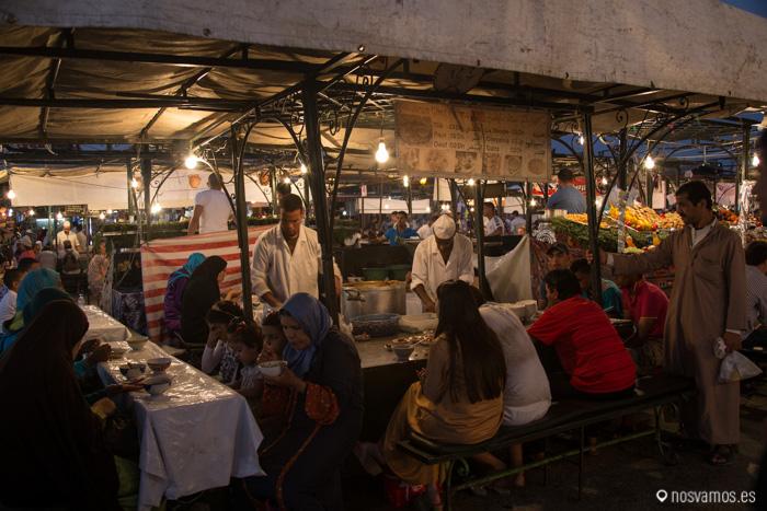 """Nuestro puesto preferido para cenar """"Harira"""" por 3 dirhams"""