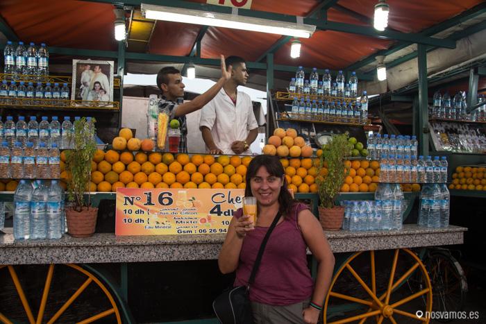 Los famosos puestos de zumo de naranja, un imprescindible para desayunar
