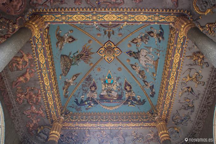 Pinturas en el techo del arco del triunfo, se ve desde la calle