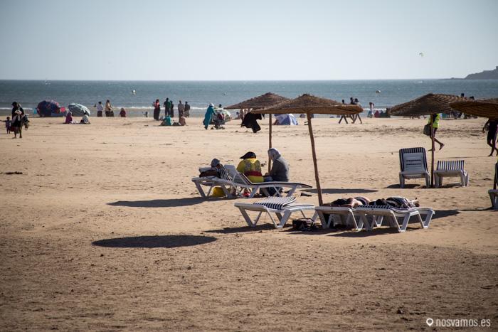 En la playa, viento y más viento