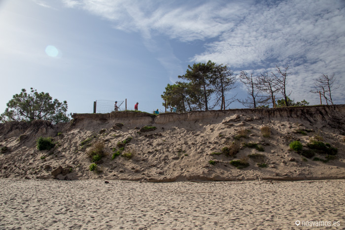 Campo de golf desde la playa de Oyambre
