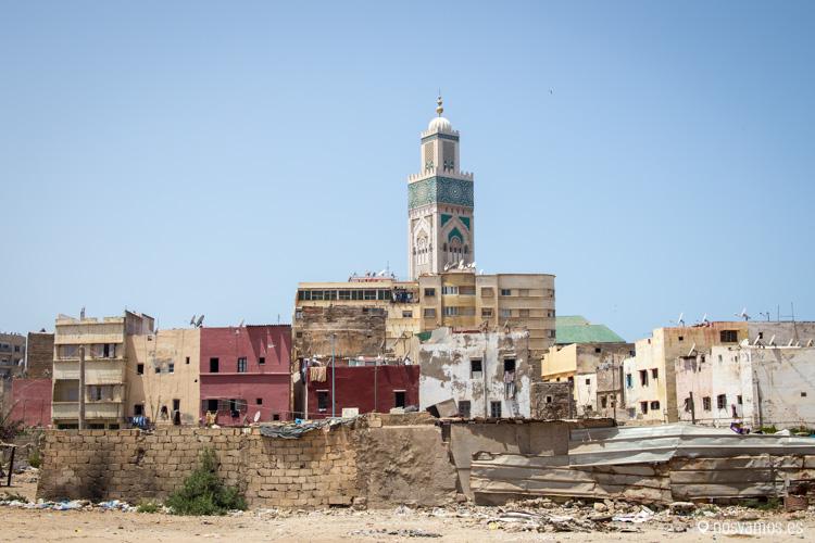 La Mezquita de Hassan II se situa al lado de una zona históricamente pobre de Casablanca