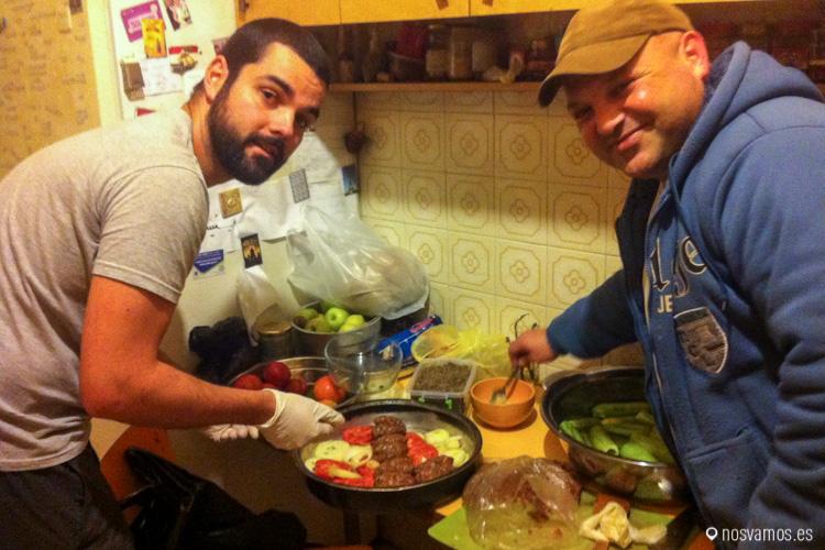 Con Ashraf haciendo la kofta