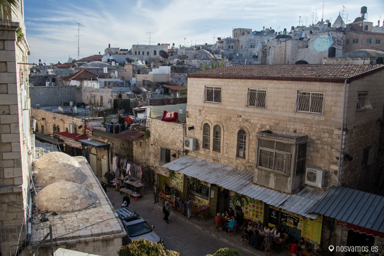 Vistas desde la terraza intermedia del Hospicio Austríaco en Jerusalén