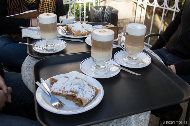 """Un café y el mejor """"Strudel"""" de la zona"""