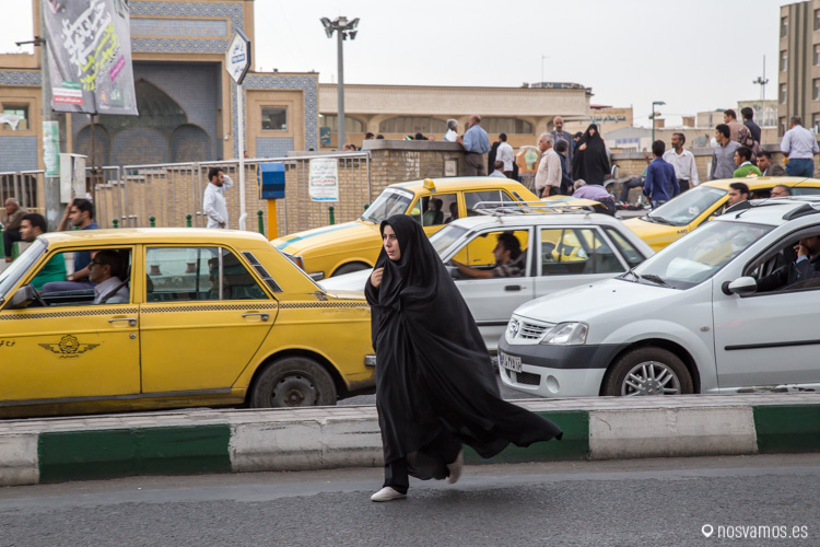 Al cruzar por las calles de Irán te juegas la vida la mayoría de las veces