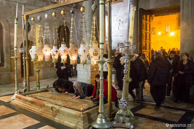 Santo Sepulcro en el interior de la Basílica