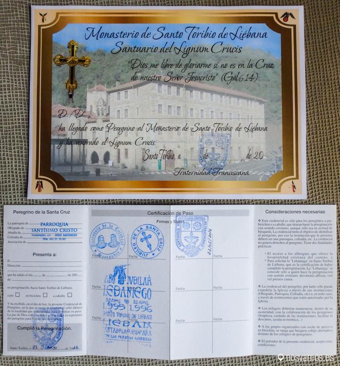 """Credencial del peregrino con los sellos y """"La Lebaniega"""" que acredita haber terminado el Camino Lebaniego"""